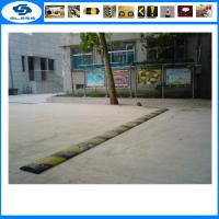 China Top Sale 1830mm rubber road speed bump recycled rubber road safety products 500*600*50mm rubber speed hump on sale
