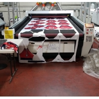 Wholesale Large Format Vision Laser Machine For Jersey Cutting, curtain cutting from china suppliers