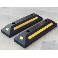 China parking curb/Heavy Duty Rubber Car Stopper/Rubber Parking Wheel Stop on sale