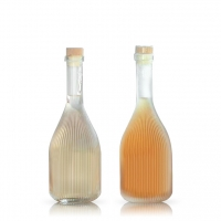 Wholesale 500ml glass liquor bottle green plum wine bottle Sealed beverage bottle with lid from china suppliers