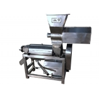 Wholesale 1960mm 15kw SUS304 2t/H Fruit Apple Crusher Machine from china suppliers