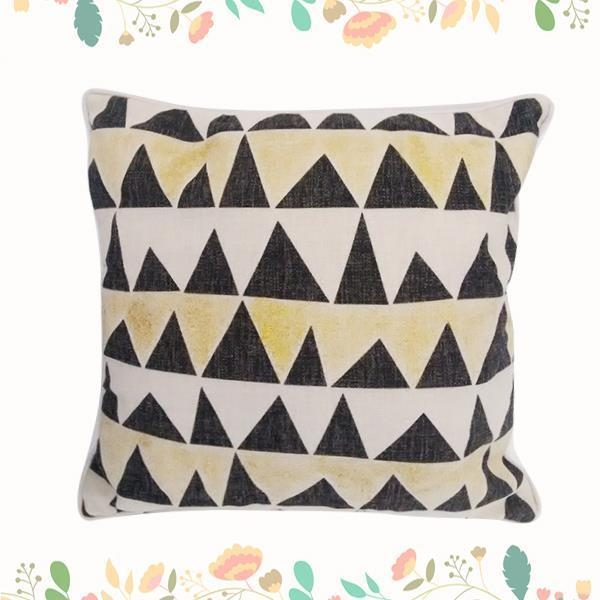 China Simple Fashion Pattern Printed Cushion Cover Home Usage Polyester Square Meditation Pillow